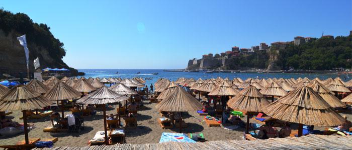 Read more about the article Hajdinaga i fton kosovarët për pushime në Ulqin, nuk ka barriera e frikë
