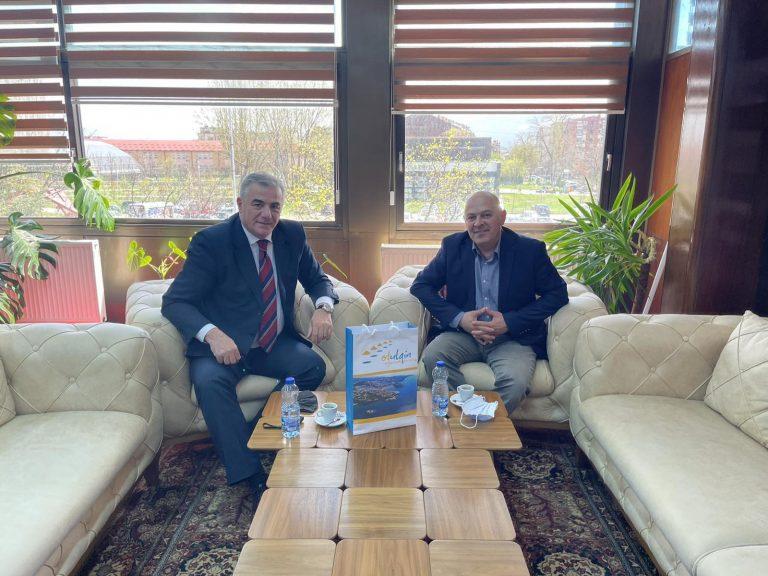 Me kryetarin e komunes se Gjakoves Z.Ardian Gjini Posjeta Opstine Djakovica